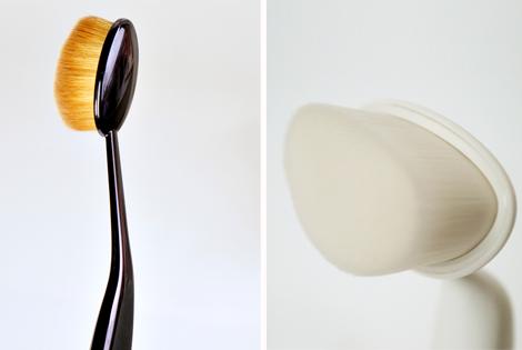 De borstel deed mij erg denken aan de Mac oval 6 brush waarvan ik laatst een review las op Beautylab. Alleen de Babor brush